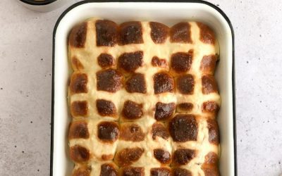 HOT CROSS BUNS ILI TOPLA USKRSNA PECIVA